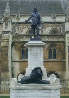Памятник Оливеру Кромвелю