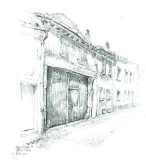 Фасады с большими воротами, переулок Ойрихгассе, дом 14, в историческом центре Шпейера